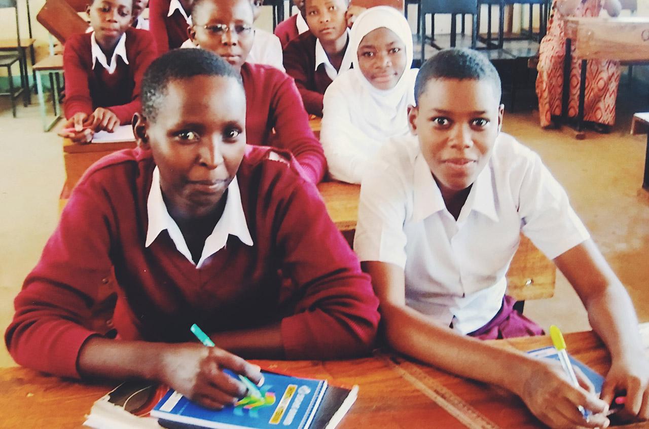 Flickor_Tanzania